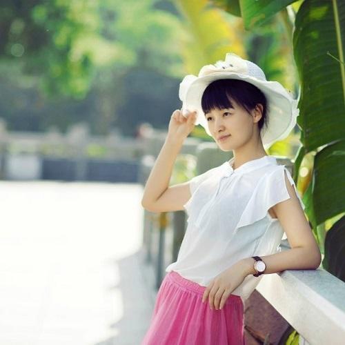 清纯美女高清qq头像女生:爱情不会让你背弃自己