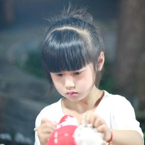 扩展阅读:可爱小女孩
