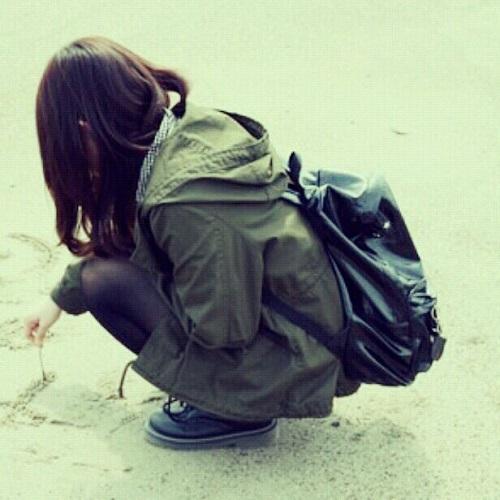 伤感女生头像:孤独的路,没有尽头